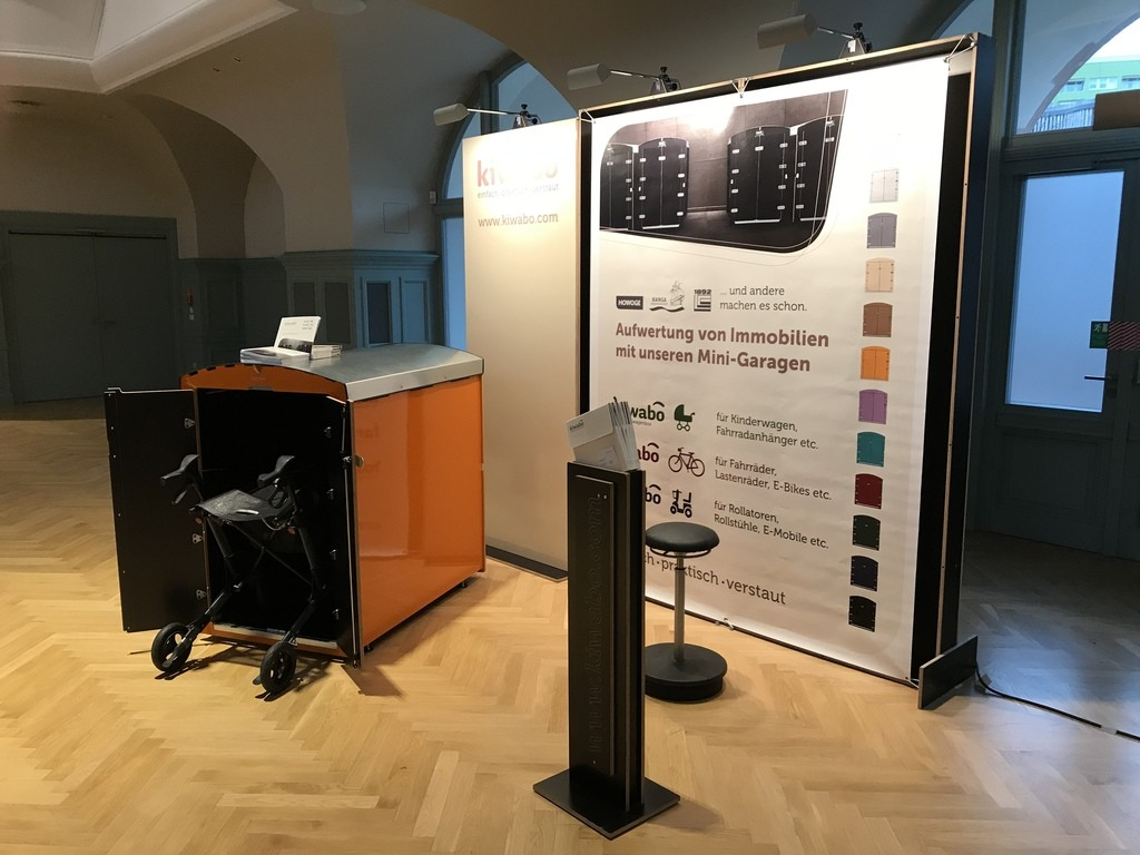 mit kleinem Stand und Showbox haben wir auf dem Mitteldeutschen Immobilienkongress teilgenommen und unsere Rollatobox präsentiert