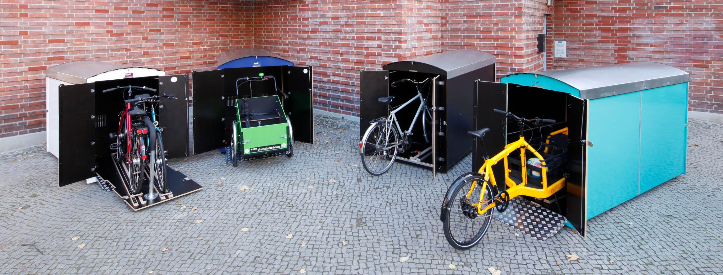 Die Fahrradbox, die Rollatorbox und Kinderwagenbox in einer Reihe