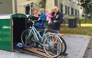 Fahrräder sind griffbereit mit der farabo x 2 mit Schublade